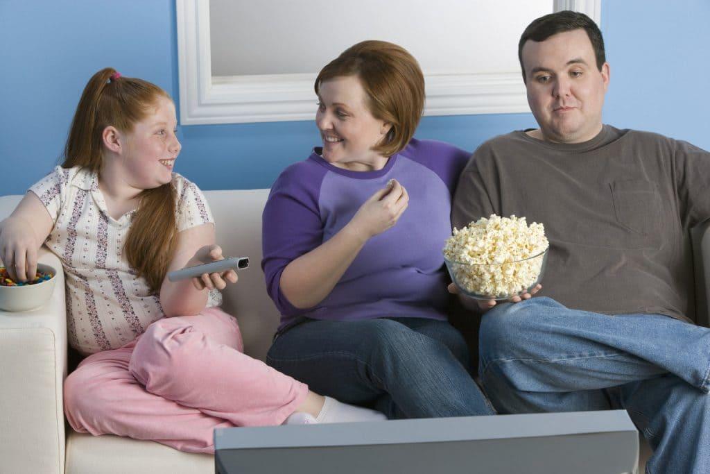 hábitos que hacen subir de peso a los niños
