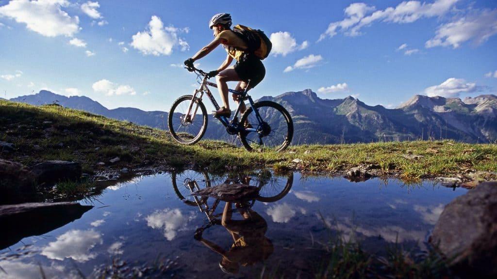 Los beneficios del ciclismo de montaña para salir con la montain bike