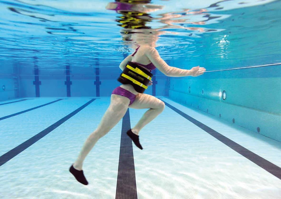 En peso piscina de la bajar como