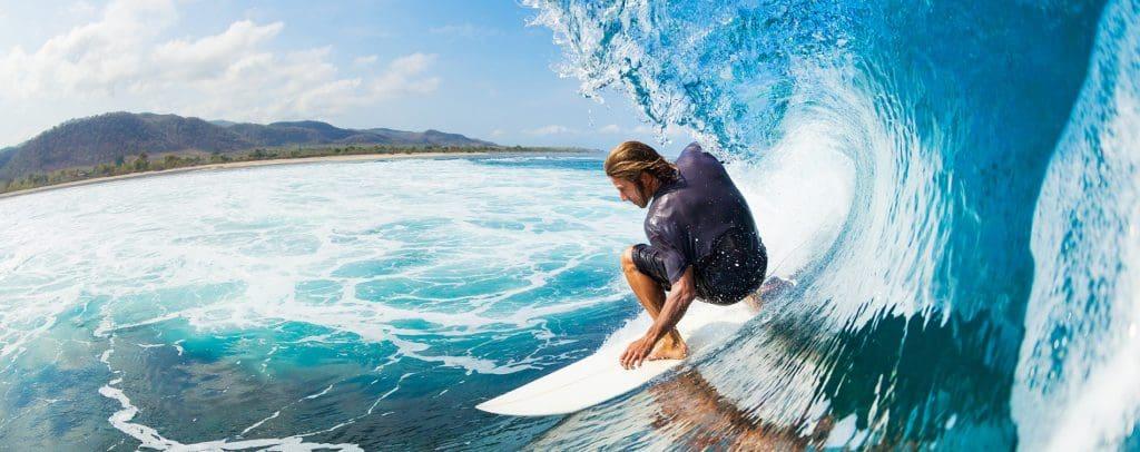 Conoce el surf y deportes acuáticos
