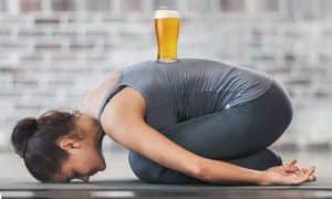 Beer yoga, el ejercicio ideal para los amantes de la cerveza