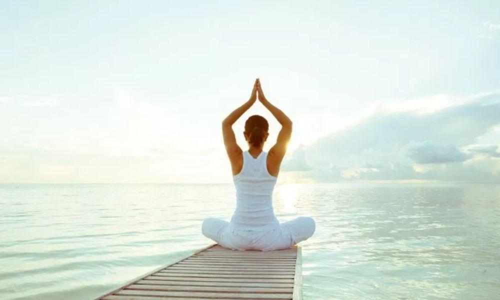 5 posturas de yoga para empezar fácilmente con esta disciplina