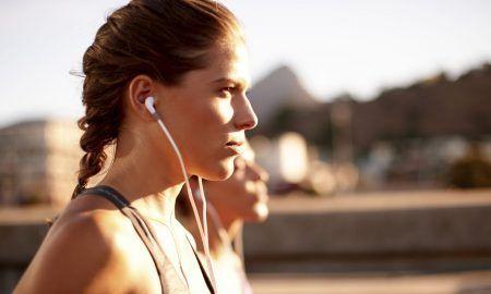 mejores auriculares deportivos para entrenar y hacer deporte