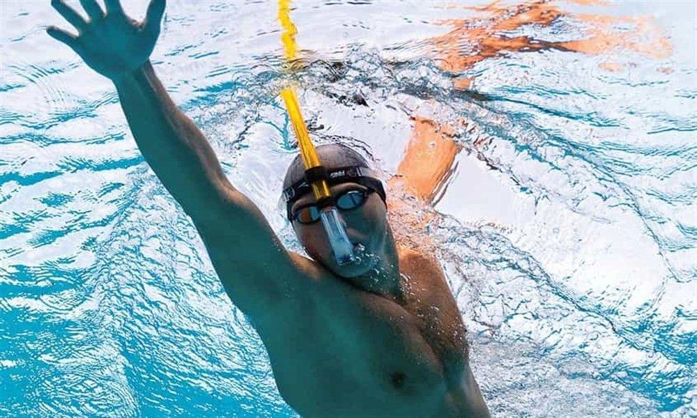 tubo frontal de natación