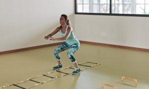 5 ejercicios con escalera de agilidad para quemar calorías