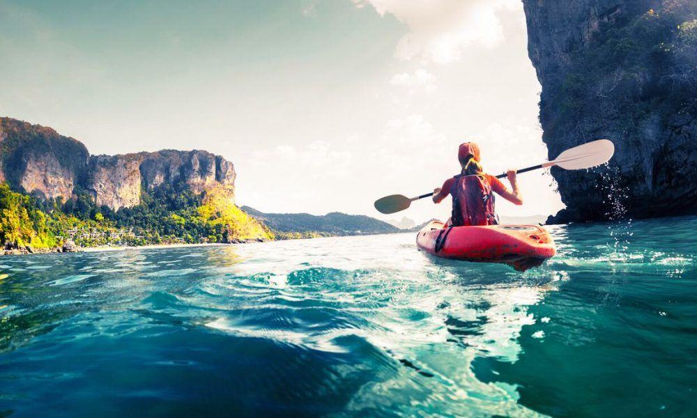 hacer piragüismo o kayak
