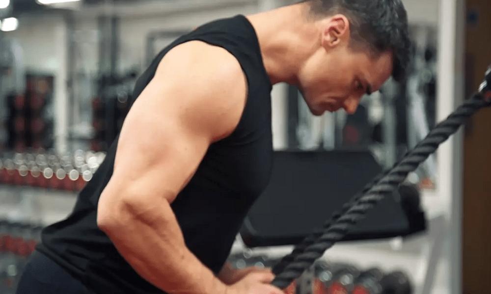 Tríceps con cable crossover