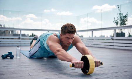 ejercicios con rueda abdominal