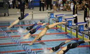 Cómo mejorar la salida en una competición de natación