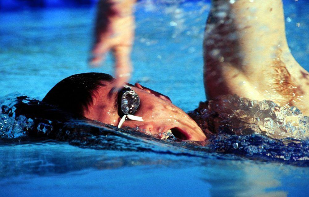 mejorar el rolido en natación