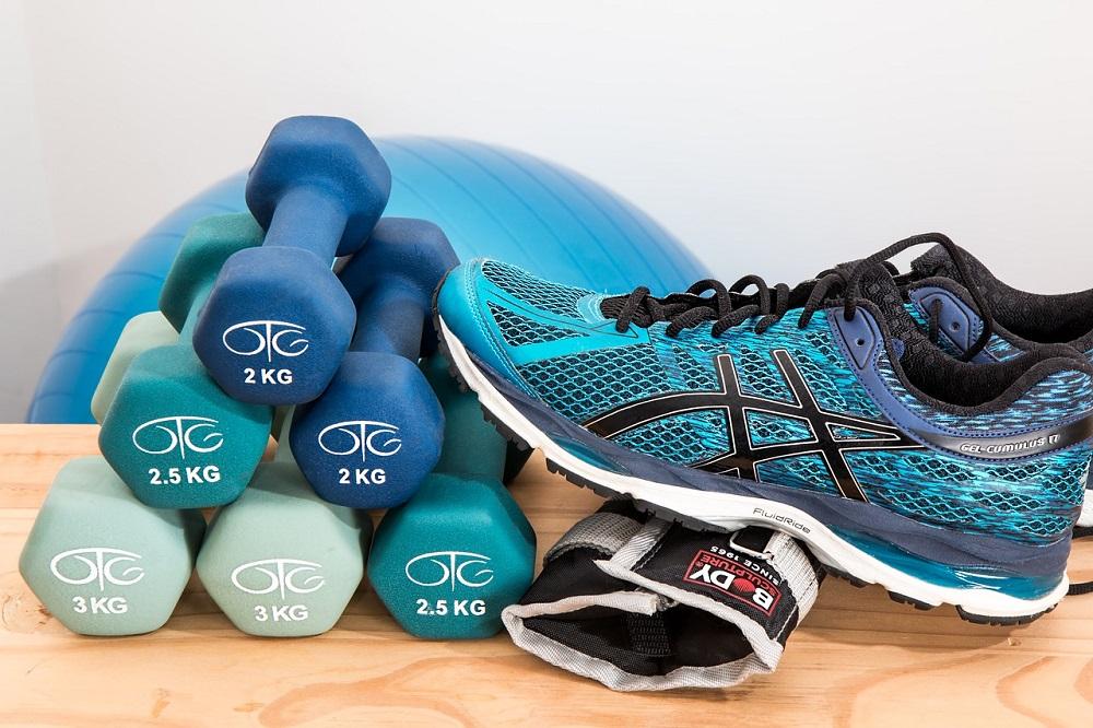 Hacer pesas para mejorar el ritmo de carrera