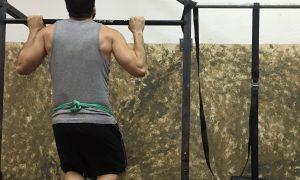 3 ejercicios con cinturón de lastre y cómo hacerlos correctamente