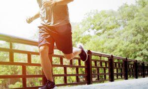 ¿Cuál es la mejor hora del día para correr y cuánto tiempo?