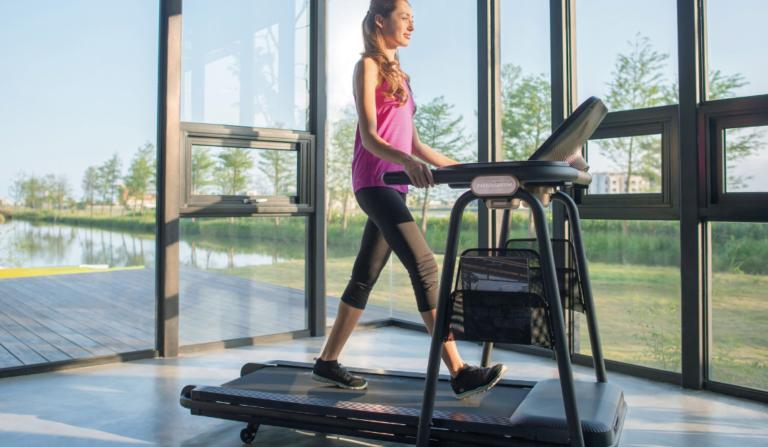 hacer running en casa con una cinta de correr es saludable