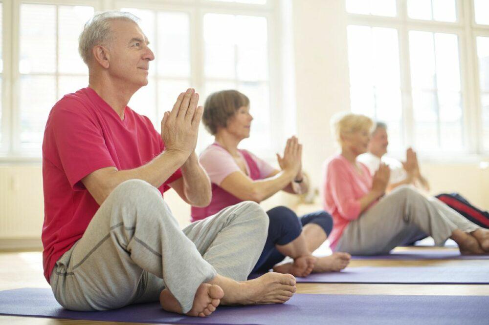Yoga para personas mayores
