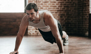 7 ejercicios de pecho con peso corporal y sin necesidad de material