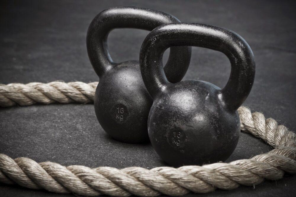 Peso muerto con Kettlebell: cómo hacerlo para tonificar todo el cuerpo